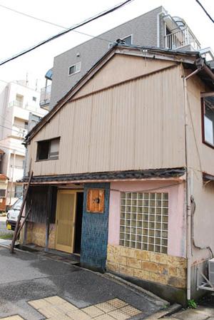 空き家を古着屋に改装した例 改装前