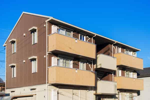 空室保証やサブリースは本当に有利?仕組み・長所・短所を解説 アパート外観