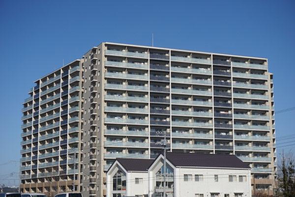 「戸建て」「マンション」の売却注意ポイント マンションと戸建て外観